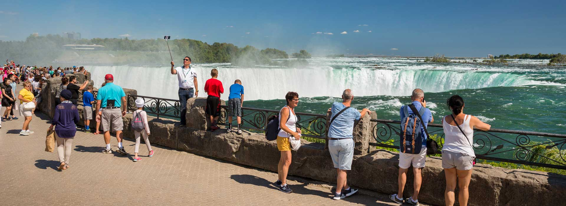 Toronto to Niagara Falls Half Day Private Tour (upto 4 people)