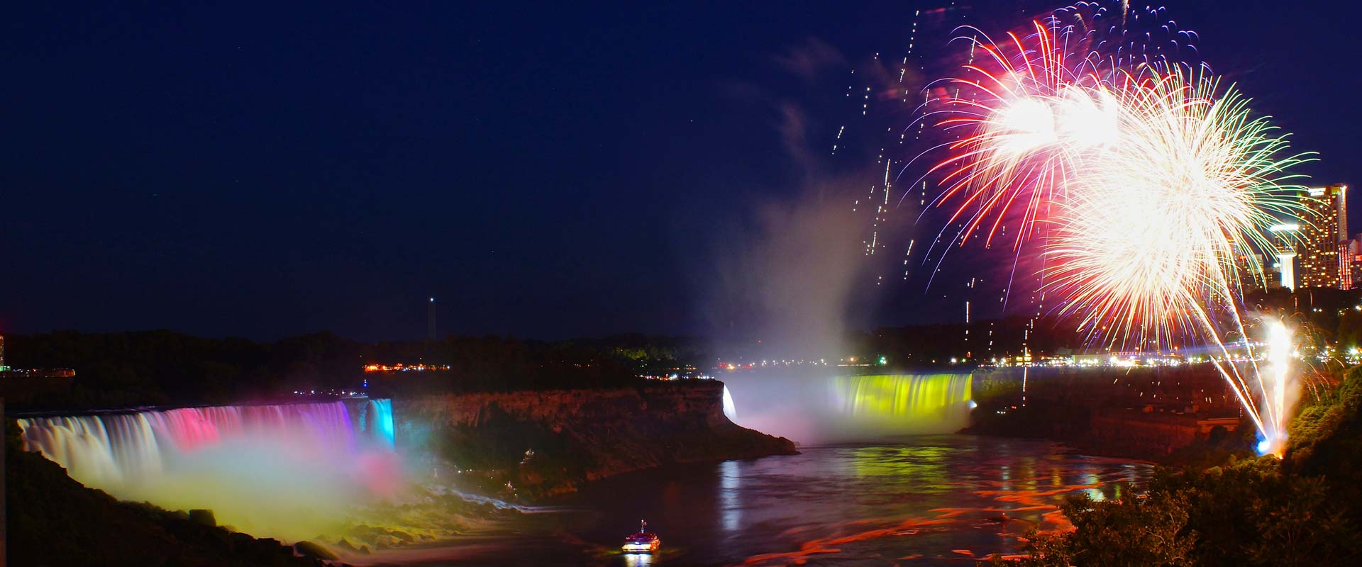 Falls Fireworks Cruise – Niagara Falls Boat Tour at Night