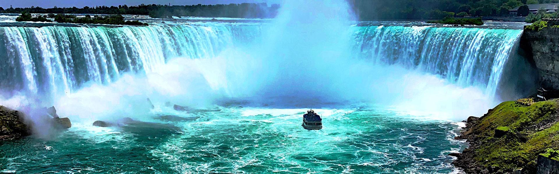 A Tour to Niagara Falls