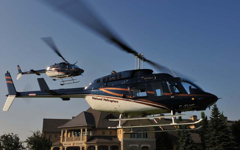 Helicopter Grand Tour with Winery Landing
