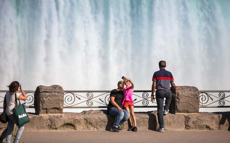 Toronto to Niagara Falls Half Day Private Tour (upto 4 people)
